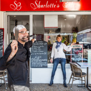 photographe-var-photographie-portrait-commerce-restaurant-sharlottes-cafe-crau