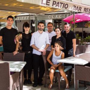 photographe-var-photographie-portrait-commerce-la-crau-restaurant-patio